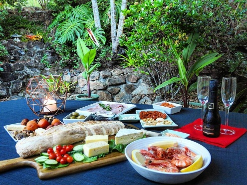 Boutique bed and breakfast experience in the picturesque village of Cooran, in country Noosa.